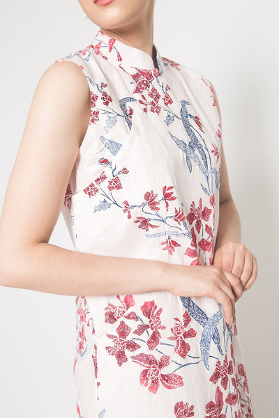 Leia Sleeveless Qipao Dress in White Red