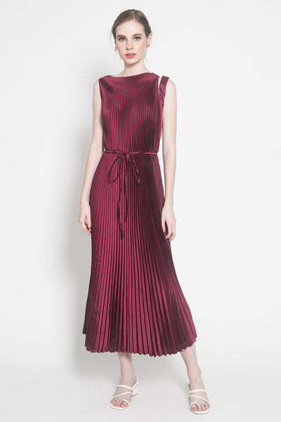 Pantone Dress in Burgundy