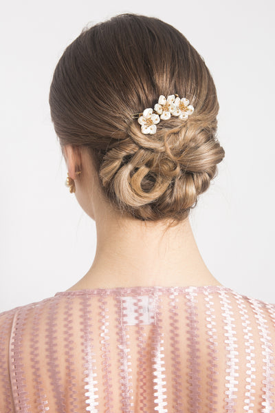 Triple Flowers Hairclip in Pearl White