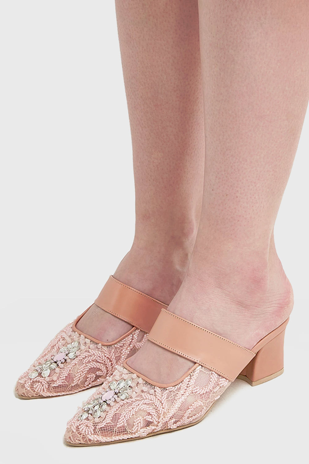 Sendy Shoes in Peach