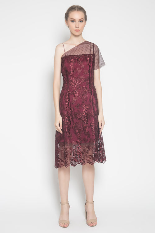 Astika Dress in Maroon