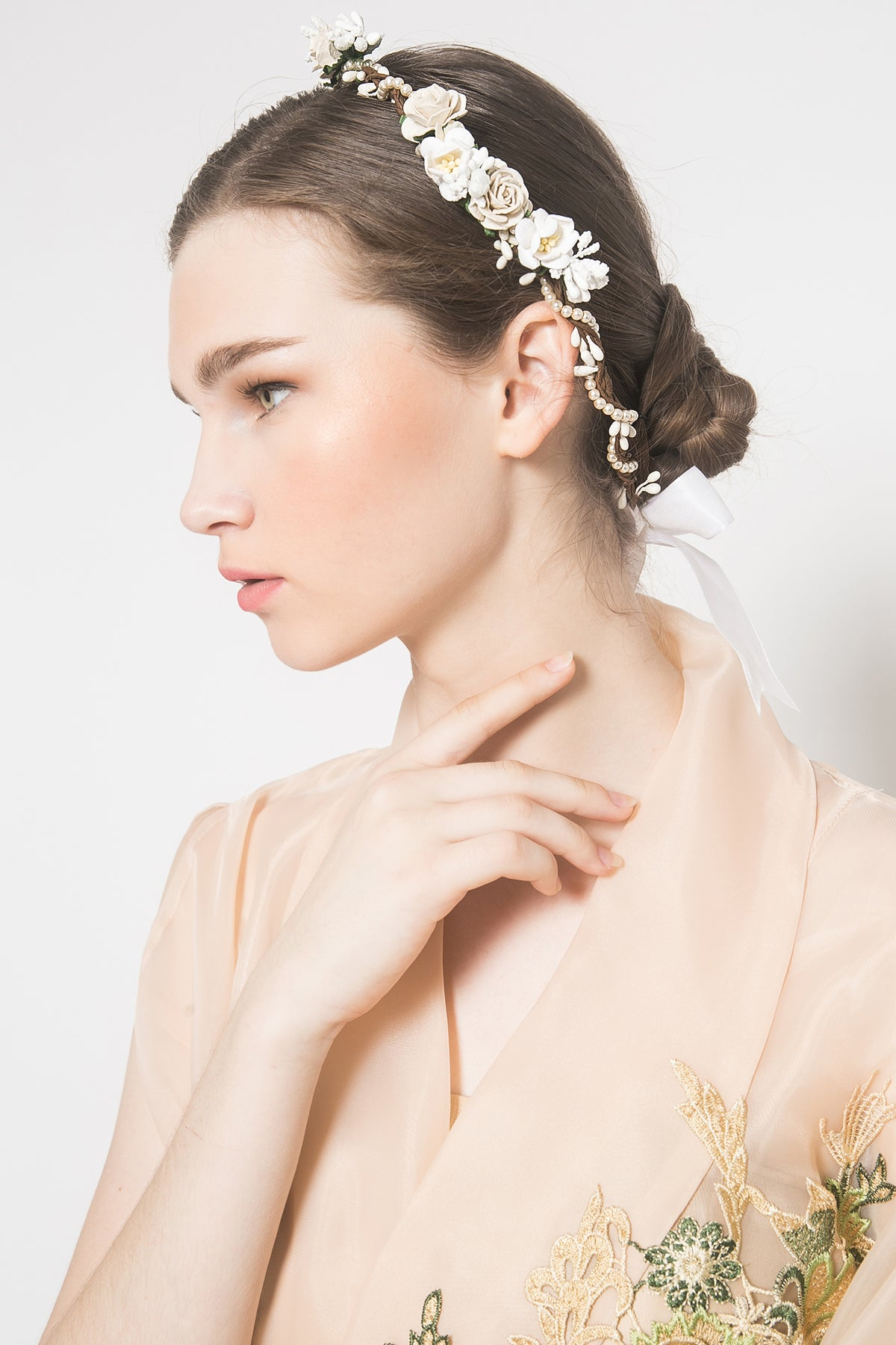 Caralia Flower Crown With Ribbon in Broken White