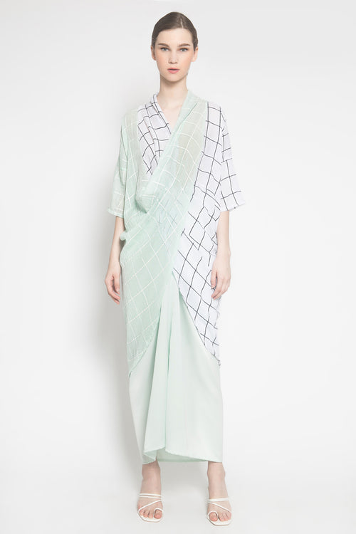 Almira Kaftan in Green