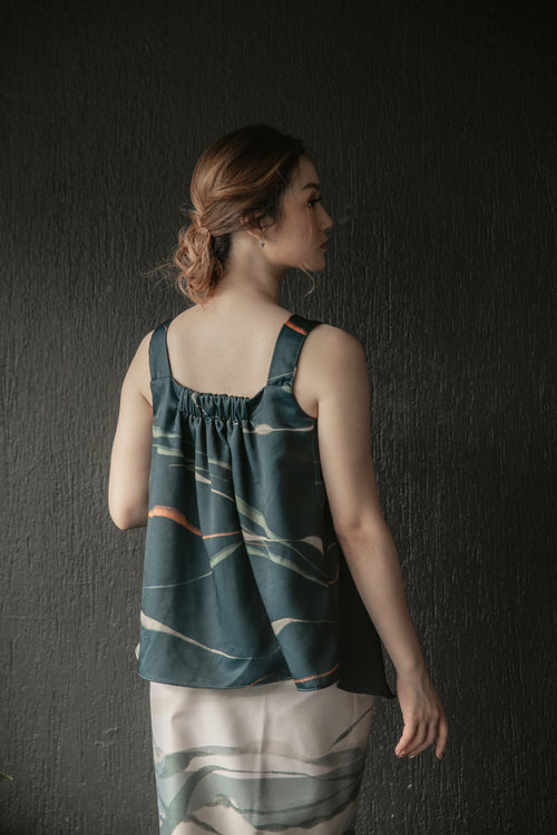 Ravine Top in Forest Green