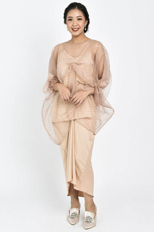 Amyra Dress In Beige