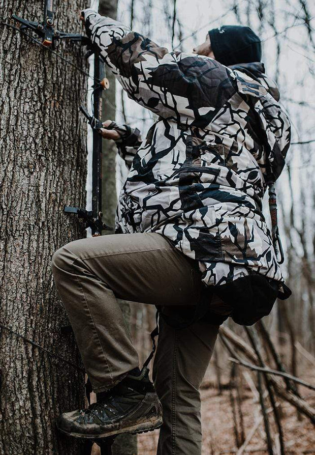 IWOM Outerwear LLC Hunting Suit PS: IWOM XT Hunting System