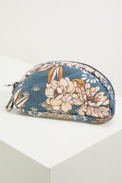 AUGUST CANVAS ZIP POUCH