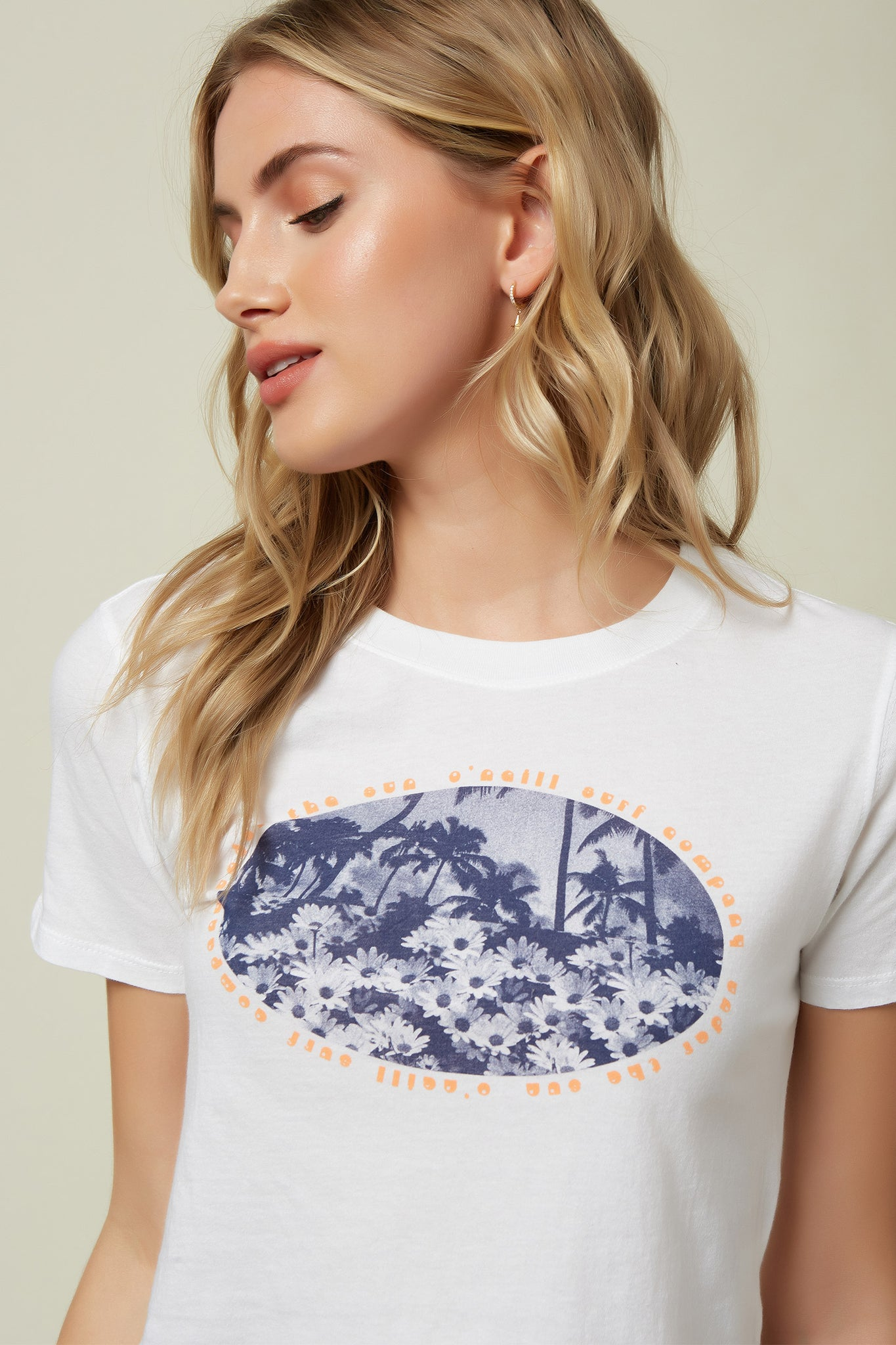 Flower Child Tee - White | O'Neill