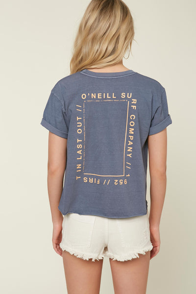 SQUARED TEE