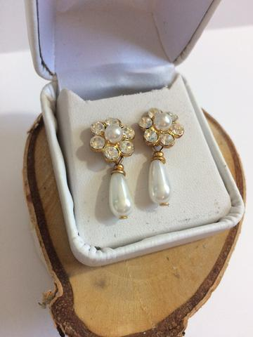 ALISHIA FLOWER PEARL TEARDROP EARRINGS