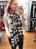 Black and White Printed Scarf - Le Prix Fashion & Consulting