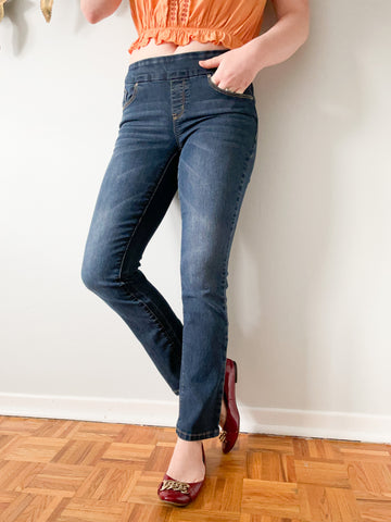 Pull On Straight Leg Mid Rise Jeans - XS/S
