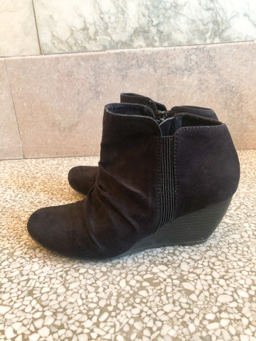 Spring Black Wedge Boots - Size 6.5 - Le Prix Fashion & Consulting