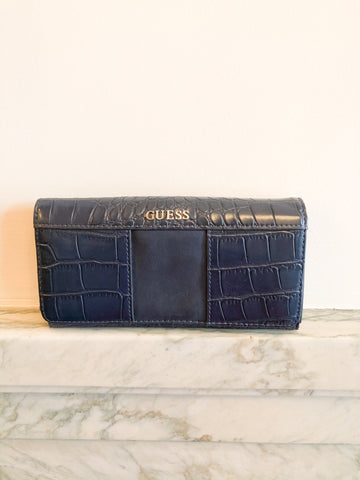 GUESS Navy Faux Croc Wallet - Le Prix Fashion & Consulting