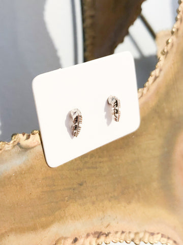 Mini Silver Leaf Earrings - Le Prix Fashion & Consulting