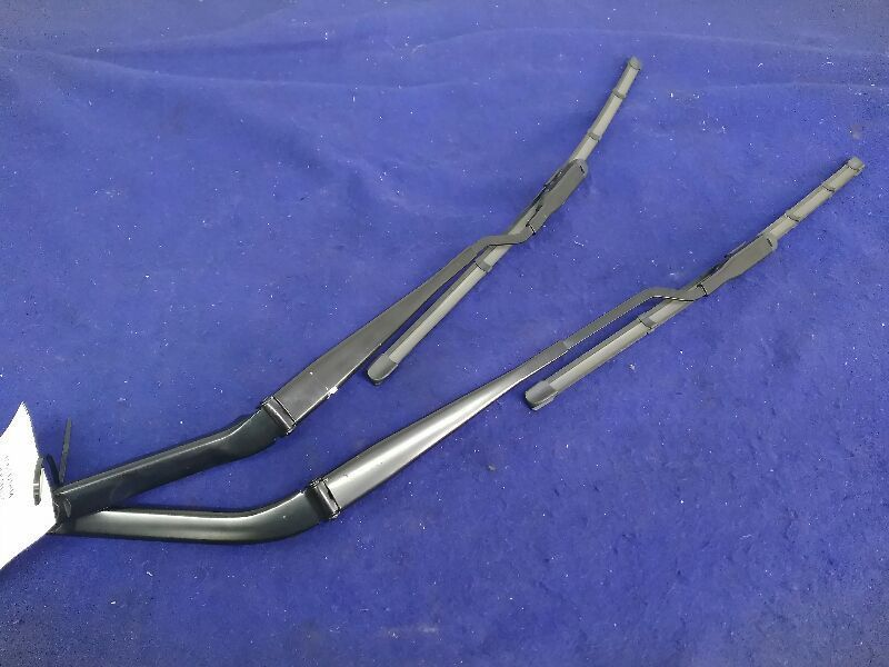 2010-2014 Ford Mustang GT Right Left Wiper Arm Arms Pair Oem Factory