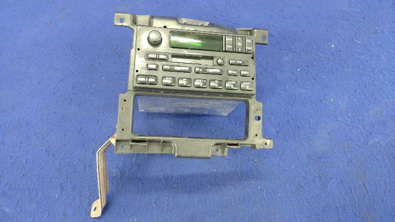 1999-2004 Ford F150 Pick up truck Audio Equipment Radio Heritage Control Panel