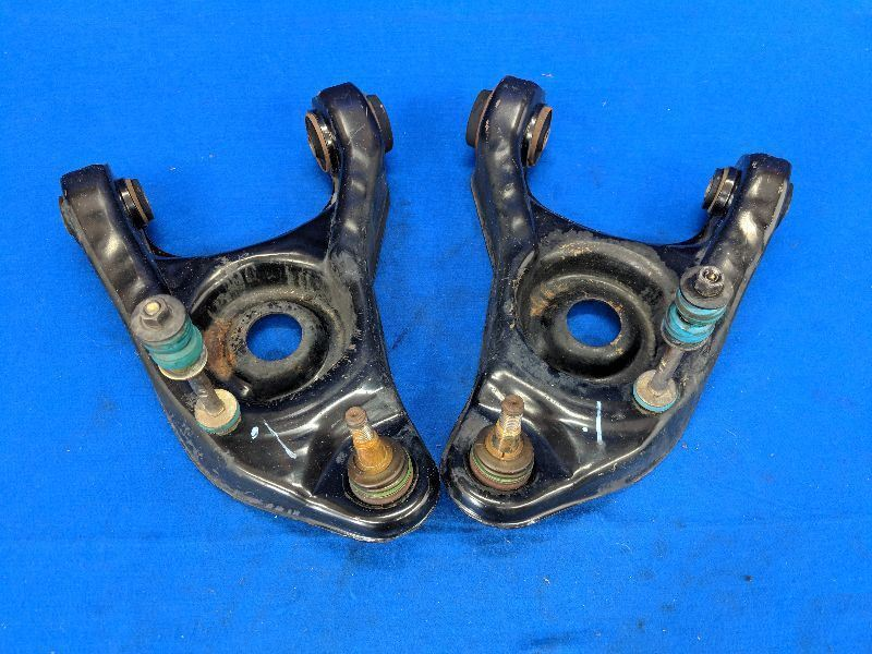 2003-2004 Ford Mustang Cobra SVT Terminator Pair Lower Control A Arm Front