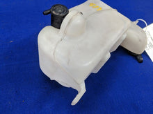 2003 2004 Ford Mustang Wash Reservoir Fluid Includes Pump