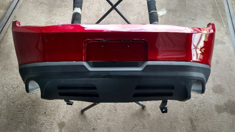2010-2012 FORD MUSTANG GT COYOTE REAR BUMPER DUAL EXHAUST W/OUT PARK ASSIST NICE