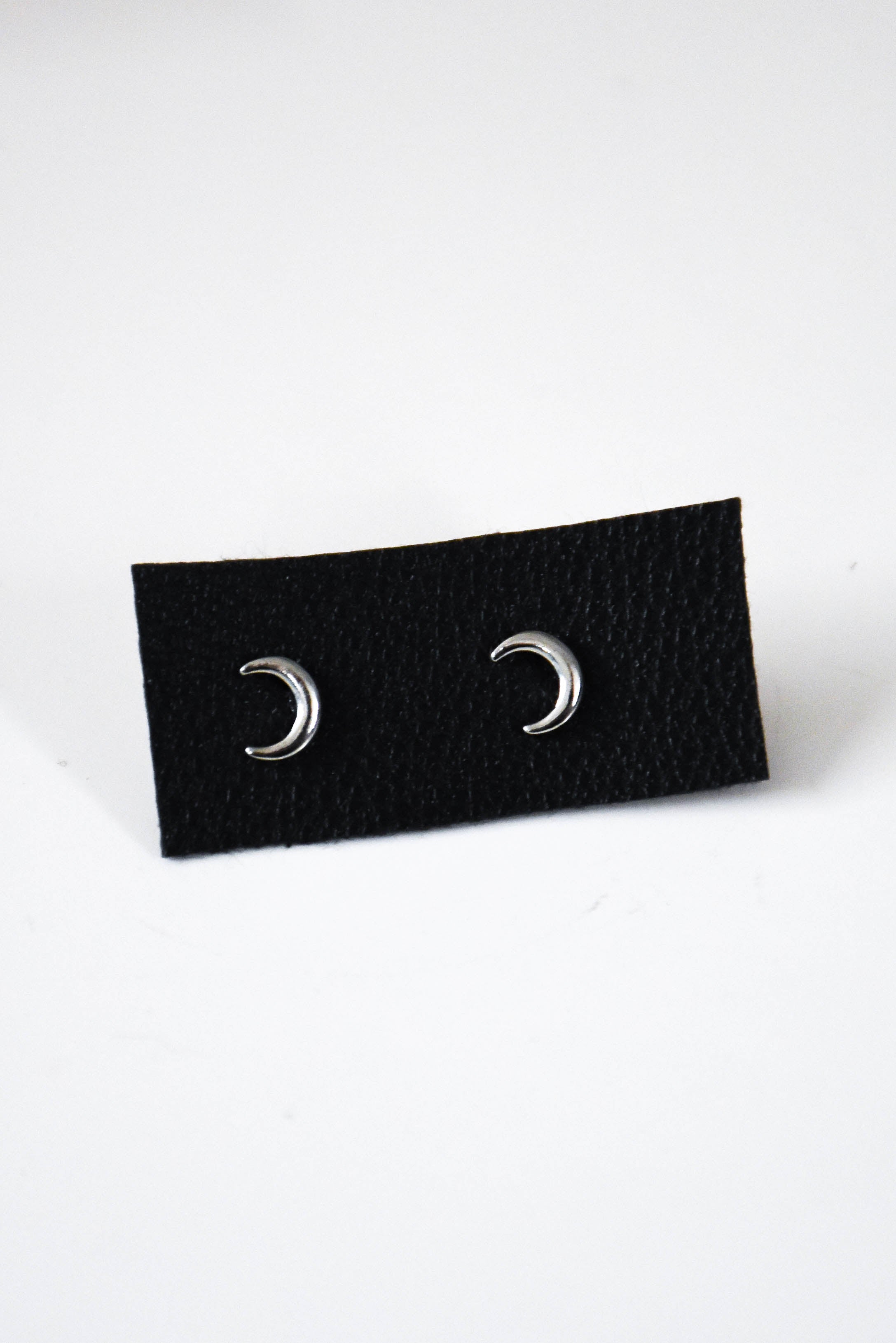 Crescent Moon Stud Earrings (Silver)