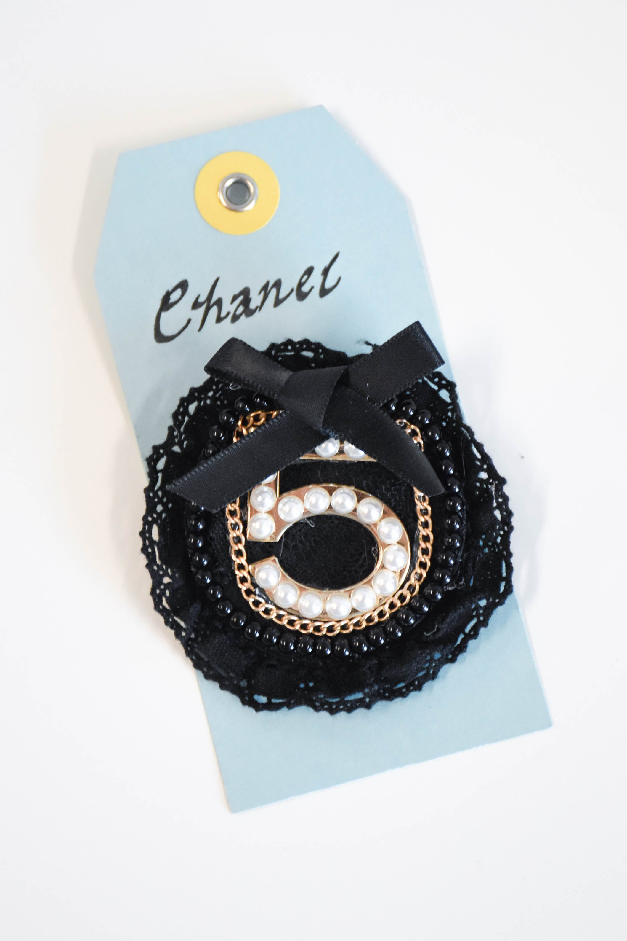 Social Butterflies Patch Pin (Chanel)