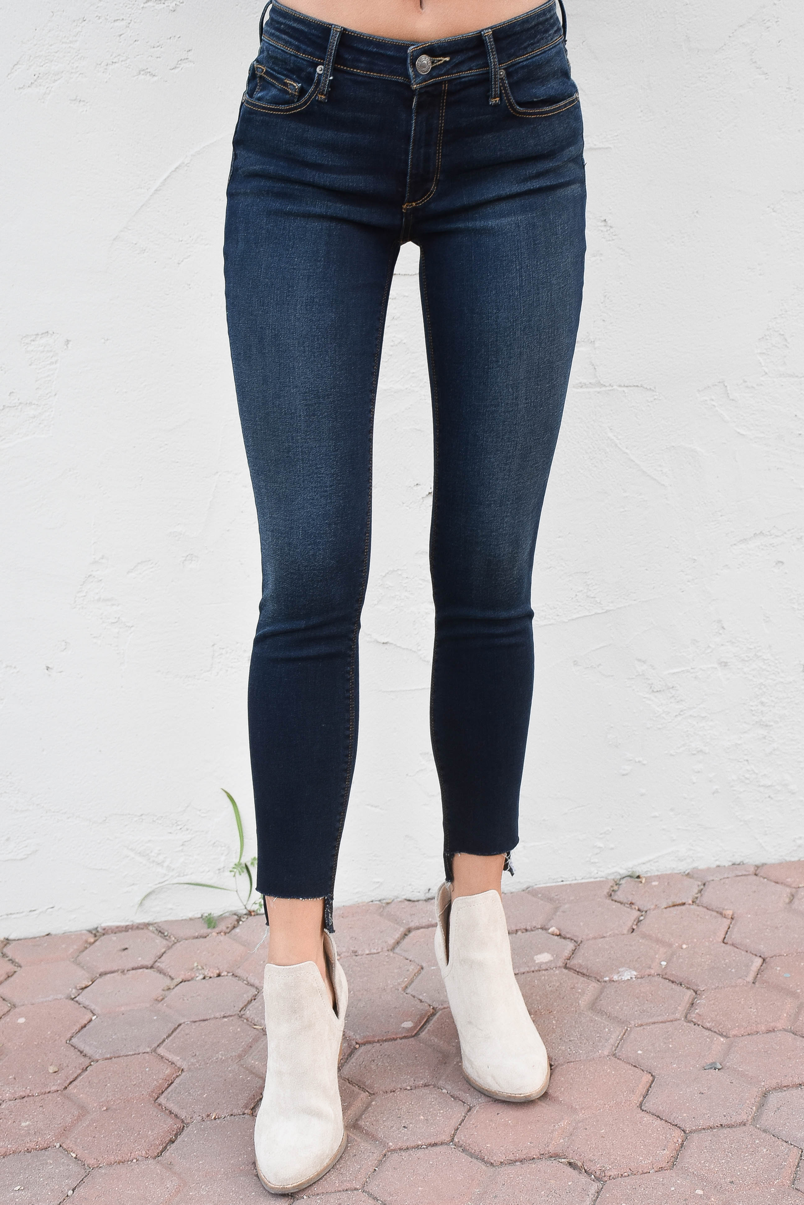 Black Orchid Jude Mid Rise Super Skinny (Tainted)