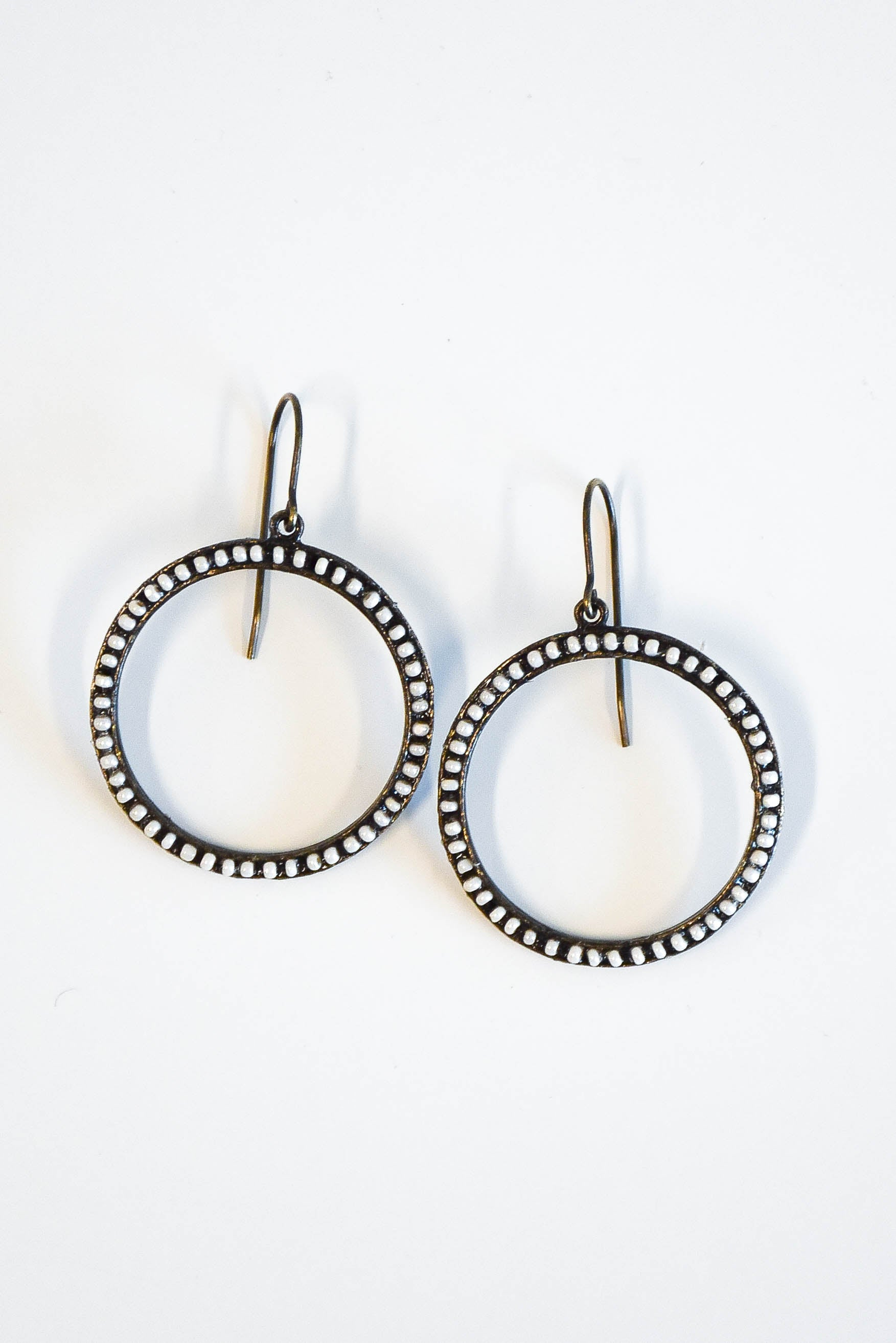 karikoo shop color open geometric circle frame earrings silver gold