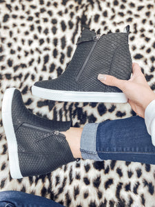 The Bradford Sneaker Wedges - Black