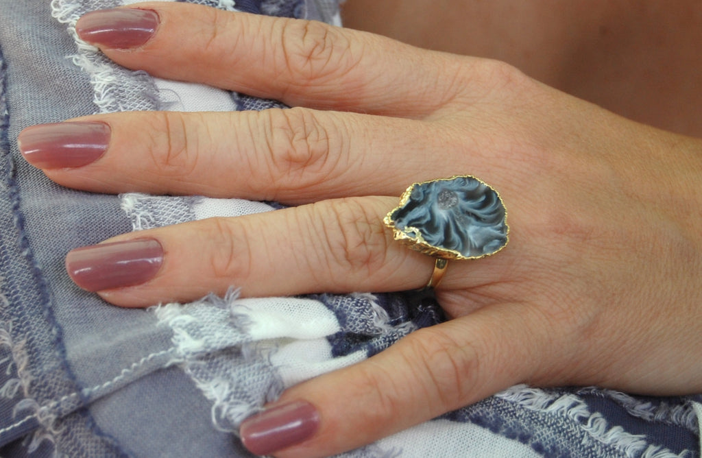 LOVE'S AFFECT Geode Statement Ring- Black