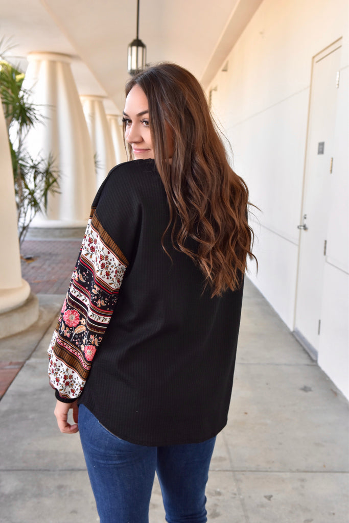 Boho Balloon Sleeve Top- Black