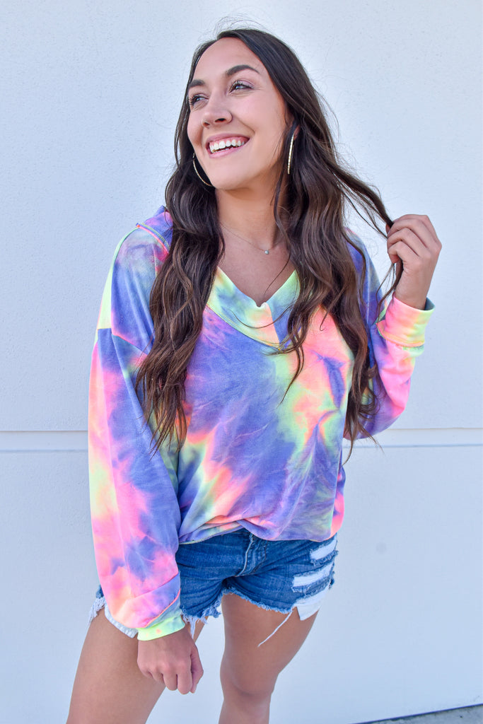 *RESTOCKED* Brighter Daze V-Neck Top