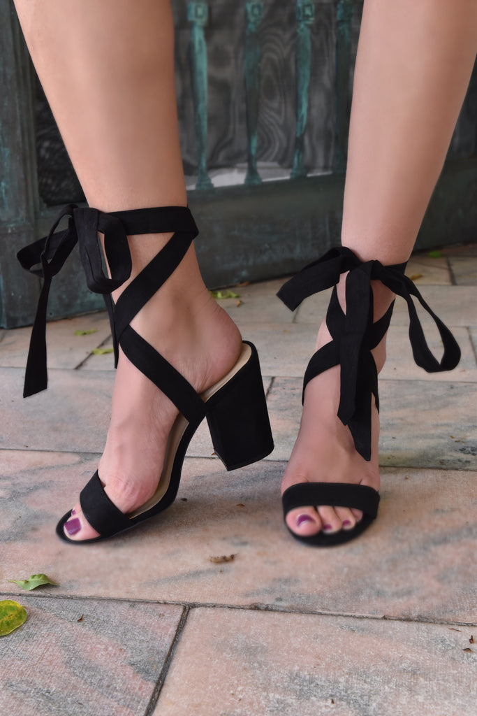 Black Tie-Up Midi Heel