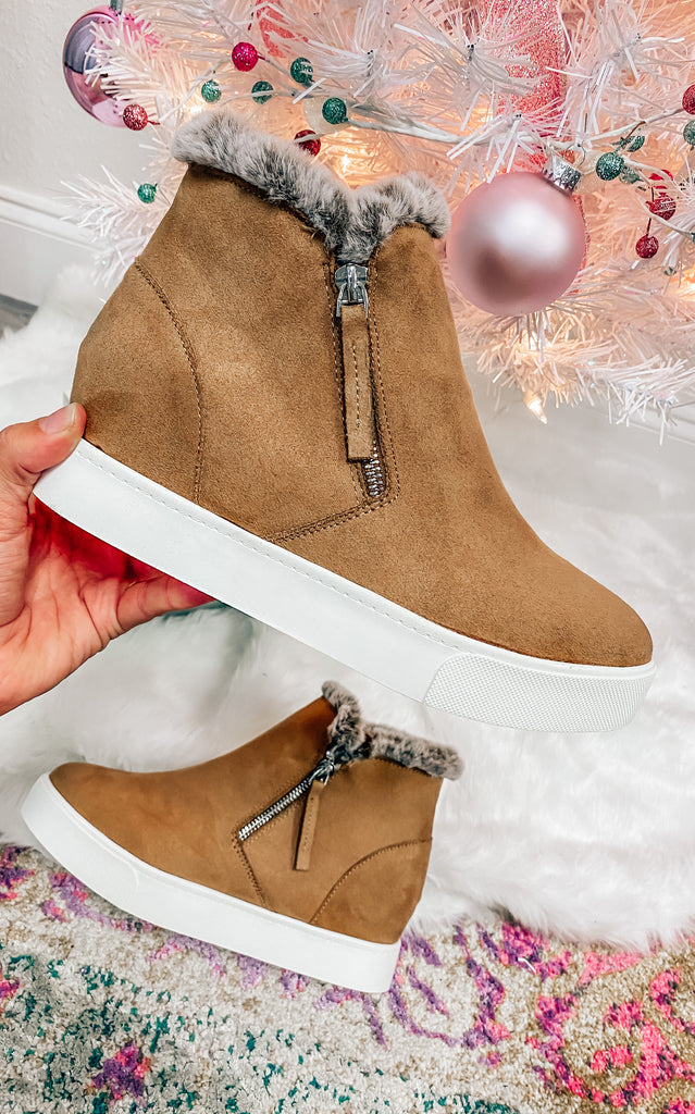 The  December Sneaker Wedge- Tan