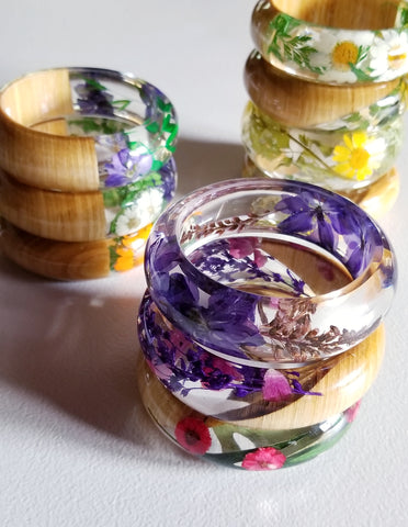 Resin Bangle Bracelet With Real Flowers