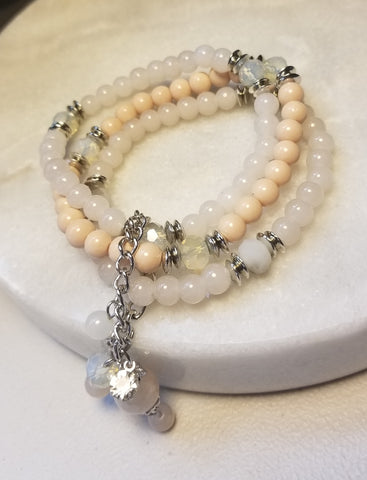 Bead Bracelet - Vintage Peach & Cream