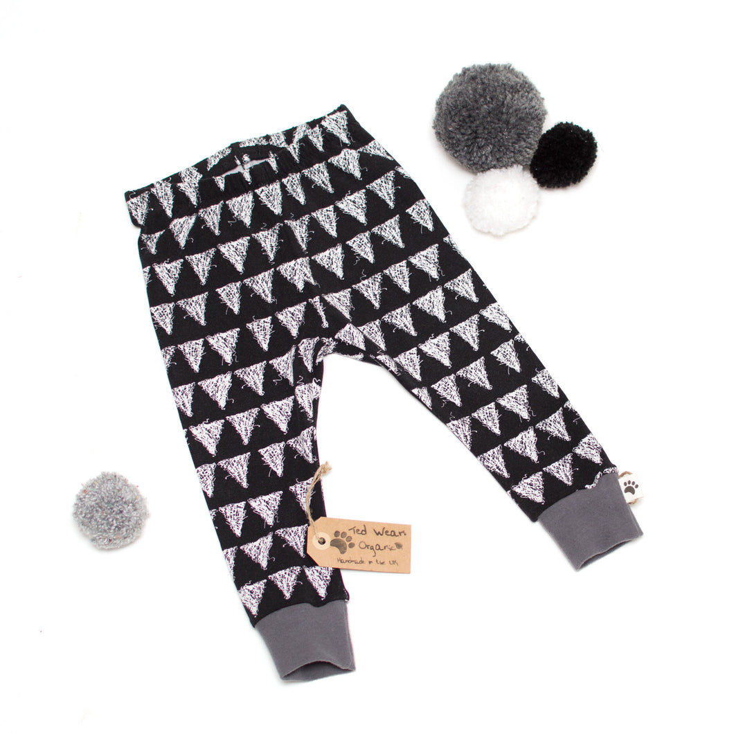 9-12m Triangles Organic Leggings