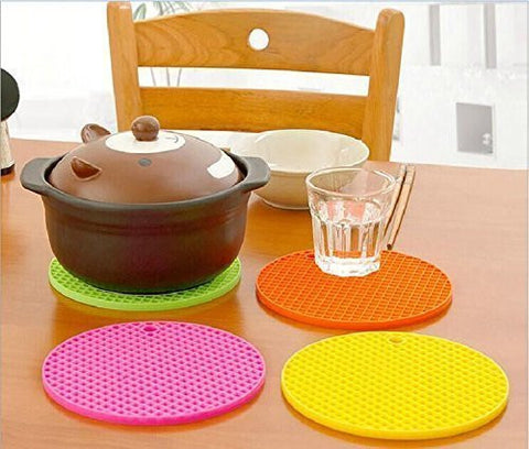 Silicone Pot Holder Mat Heat Resistant Hot Pads Perfect Modern Home Decor Silicone Heat Resistant Coasters Cup Insulation Mat Tableware Insulation Pad Potholders Insulation Non-slip Mat (Color Random)