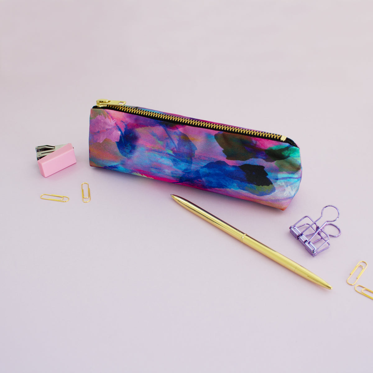 Pink freedom feathers pencil case