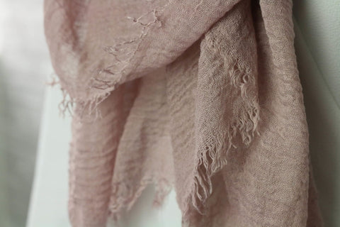products/dusty-pink-crinkled-hijab-hijabs-afflatus_392.jpg