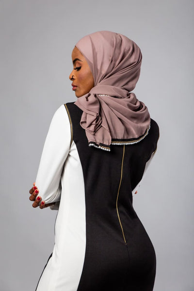 Rola Mustafa- Black & White Maxi Zipper Dress - Afflatus Hijab - Dresses