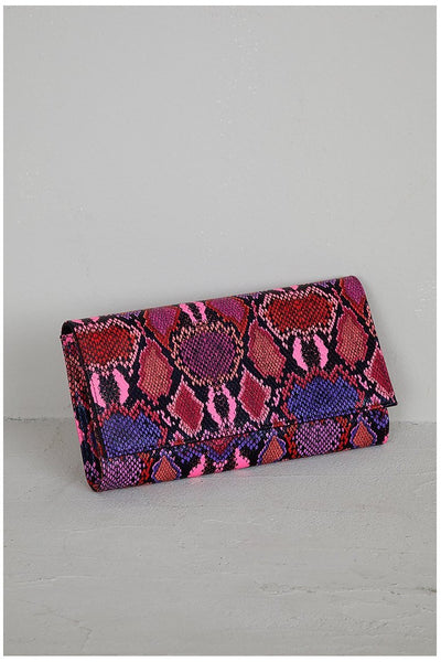 BECCA SNAKE CLUTCH BAG - The Envy Shoetique