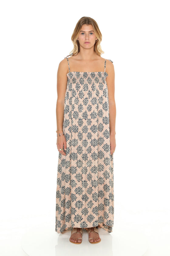 [et cetera] WOMAN Whitehaven Spaghetti Strap Shirred Top Maxi Sundress