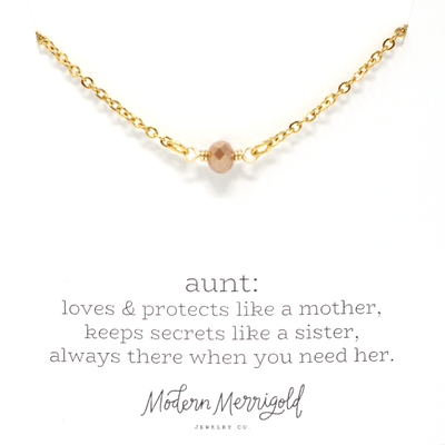 Aunt Definition Necklace - Ivy
