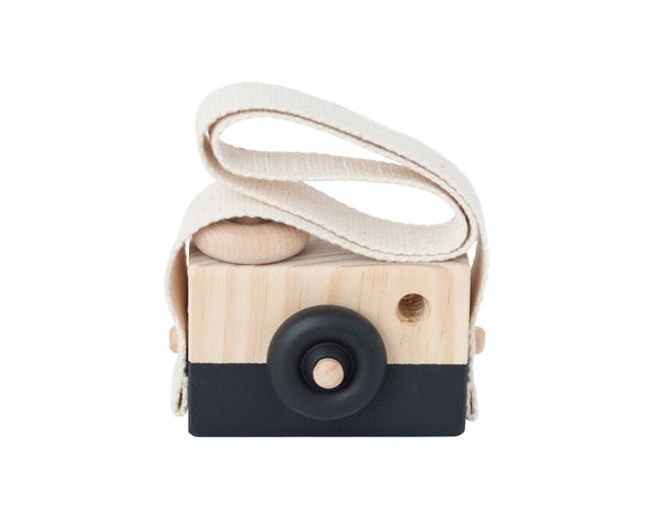 Behind_The_Trees_Wooden_Camera_Black_Ace