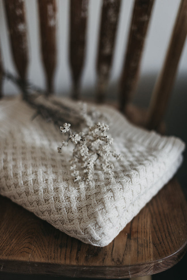 Snuggle Hunny Diamond Knit Blanket - Cream