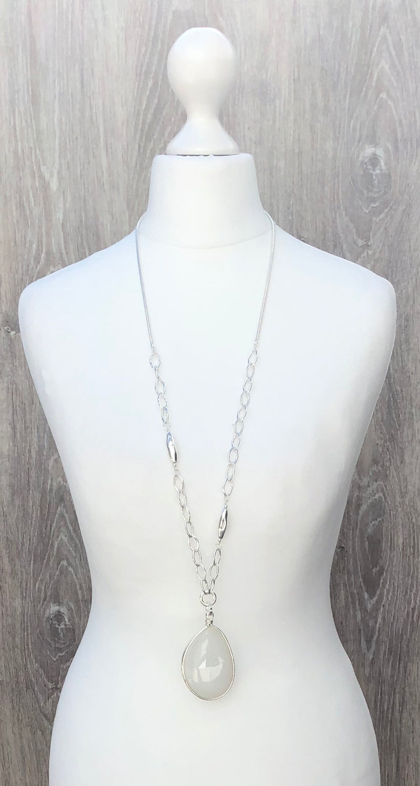Envy Teardrop Necklace