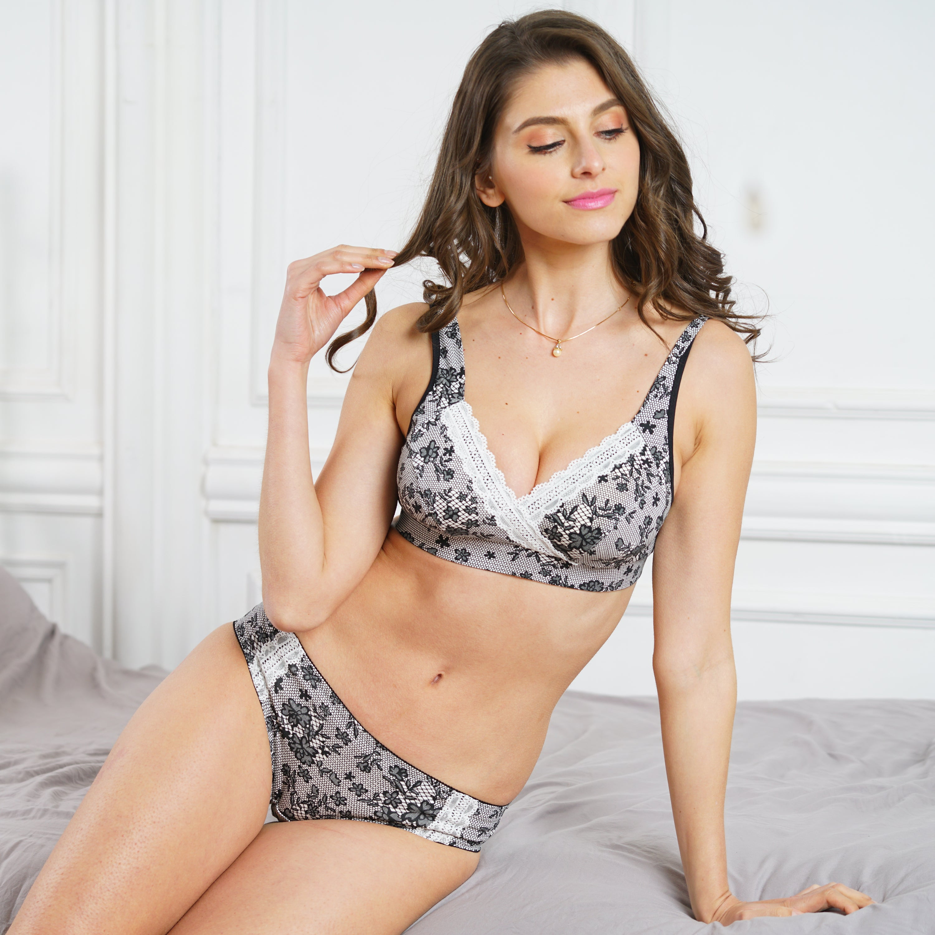 [Made in Japan] Sweet Mommy Lacy Print Postpartum Panty