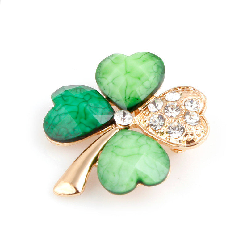 Four leaf clover with Crystal petals