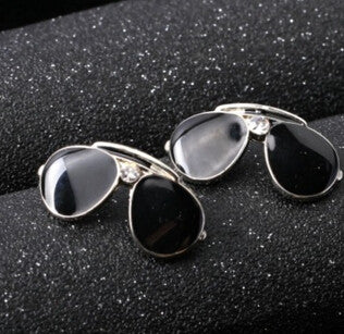 Sun Glasses Pin